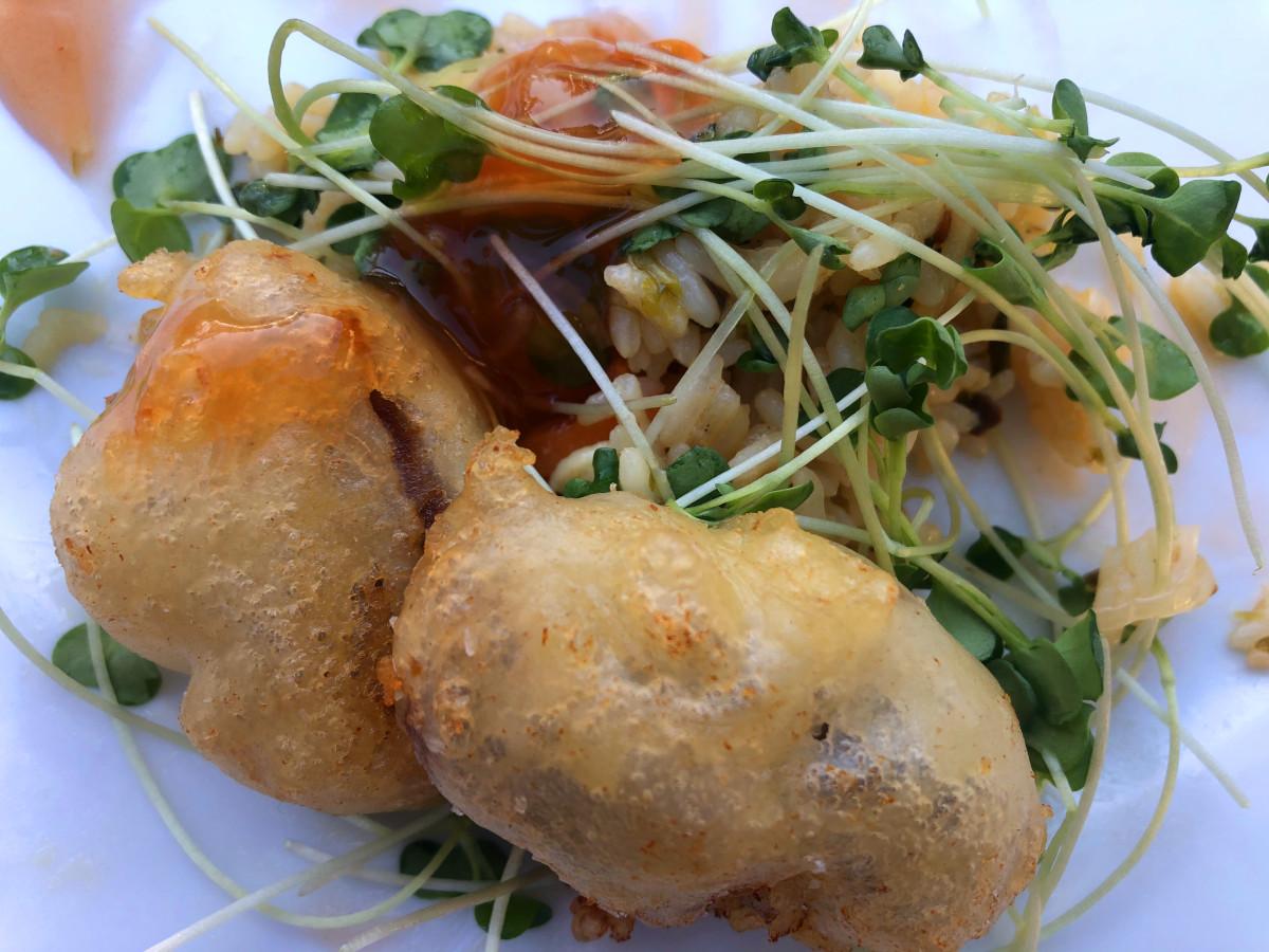 Friterad fläskfilé med sötsur sås och asiatiskt ris